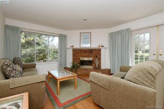 Photo 2: 3978 Hopkins Dr in VICTORIA: SE Maplewood House for sale (Saanich East)  : MLS®# 810909