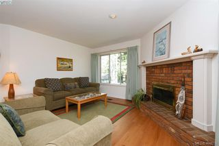 Photo 3: 3978 Hopkins Dr in VICTORIA: SE Maplewood House for sale (Saanich East)  : MLS®# 810909