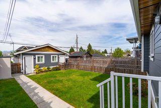 Photo 3: 2603 E 41ST Avenue in Vancouver: Collingwood VE House 1/2 Duplex for sale (Vancouver East)  : MLS®# R2369364