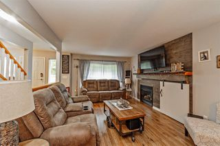 Photo 3: 7765 DUNSMUIR Street in Mission: Mission BC House for sale : MLS®# R2370845