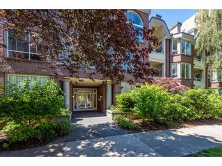 "Photo 2: 301 1230 HARO Street in Vancouver: West End VW Condo for sale in ""TWELVE THIRTY"" (Vancouver West)  : MLS®# R2379040"