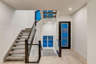 Photo 3: 9325 75 Avenue in Edmonton: Zone 17 House for sale : MLS®# E4162905