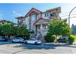 "Photo 1: 104 5438 198 Street in Langley: Langley City Condo for sale in ""Creekside"" : MLS®# R2402442"