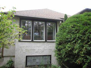 Photo 3: 11440 97 Street in Edmonton: Zone 08 House for sale : MLS®# E4174741