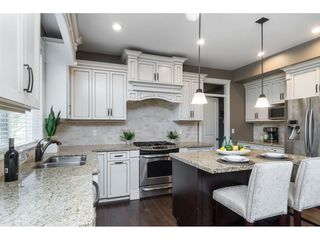 """Photo 6: 8059 210 Street in Langley: Willoughby Heights House for sale in """"YORKSON"""" : MLS®# R2417539"""