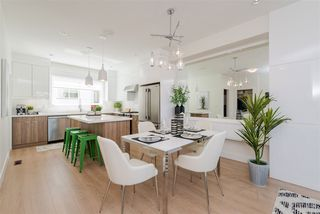 """Photo 5: 56 1670 160 Street in Surrey: King George Corridor Townhouse for sale in """"Isola"""" (South Surrey White Rock)  : MLS®# R2467193"""