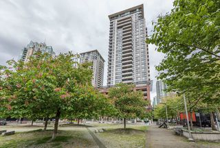 Photo 28: 2407 977 MAINLAND Street in Vancouver: Yaletown Condo for sale (Vancouver West)  : MLS®# R2468820