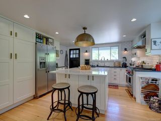 Photo 10: 495 Victoria Ave in Oak Bay: OB South Oak Bay Single Family Detached for sale : MLS®# 844128