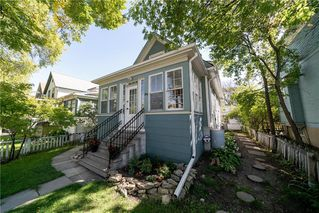Main Photo: 596 WALKER Avenue in Winnipeg: Fort Rouge Residential for sale (1Aw)  : MLS®# 202021799