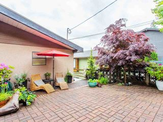 Photo 2: 2248 CALEDONIA AVENUE in North Vancouver: Deep Cove House for sale : MLS®# R2459764