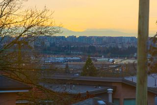 Photo 8: 1676 E 58TH Avenue in Vancouver: Fraserview VE House for sale (Vancouver East)  : MLS®# R2528167