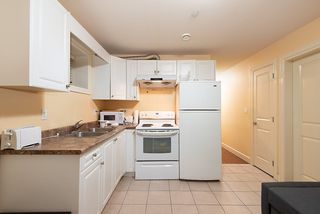 Photo 5: 1676 E 58TH Avenue in Vancouver: Fraserview VE House for sale (Vancouver East)  : MLS®# R2528167