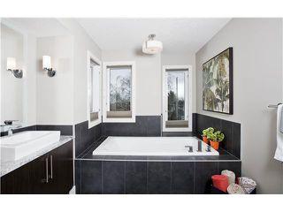 Photo 10: 810 7 Avenue NE in CALGARY: Renfrew_Regal Terrace Residential Detached Single Family for sale (Calgary)  : MLS®# C3604291