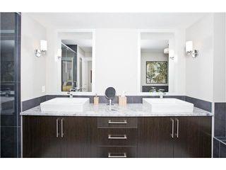 Photo 9: 810 7 Avenue NE in CALGARY: Renfrew_Regal Terrace Residential Detached Single Family for sale (Calgary)  : MLS®# C3604291