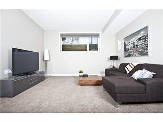 Photo 13: 810 7 Avenue NE in CALGARY: Renfrew_Regal Terrace Residential Detached Single Family for sale (Calgary)  : MLS®# C3604291