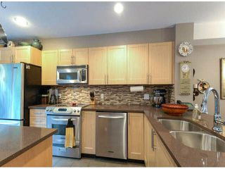 """Photo 9: 150 15168 36TH Avenue in Surrey: Morgan Creek Townhouse for sale in """"SOLAY"""" (South Surrey White Rock)  : MLS®# F1423214"""