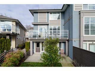 """Photo 2: 1 15405 31ST Avenue in Surrey: Grandview Surrey Townhouse for sale in """"NUVO 2"""" (South Surrey White Rock)  : MLS®# F1430709"""