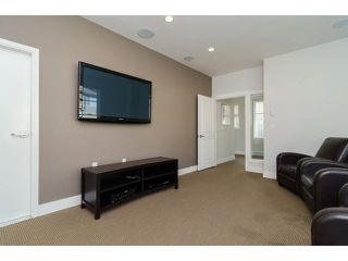 """Photo 20: 1 15405 31ST Avenue in Surrey: Grandview Surrey Townhouse for sale in """"NUVO 2"""" (South Surrey White Rock)  : MLS®# F1430709"""