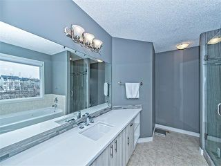 Photo 11: 55 ROCKLEDGE Terrace NW in Calgary: Rocky Ridge Ranch House  : MLS®# C4005810