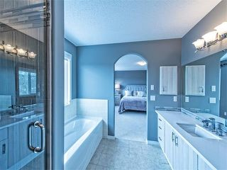 Photo 12: 55 ROCKLEDGE Terrace NW in Calgary: Rocky Ridge Ranch House  : MLS®# C4005810