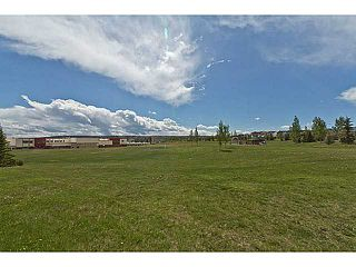 Photo 8: 33 COVEPARK Bay NE in Calgary: Coventry Hills House for sale : MLS®# C4059418