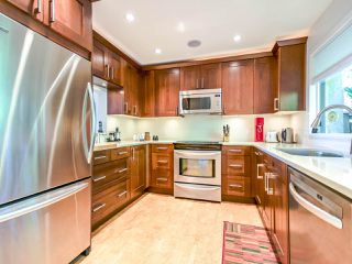 """Photo 3: 1036 LILLOOET Road in North Vancouver: Lynnmour Townhouse for sale in """"Lillooet Place"""" : MLS®# R2061243"""