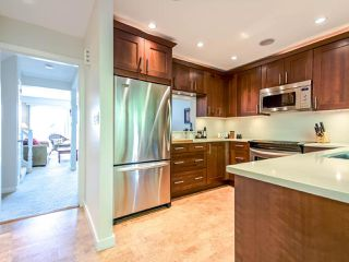 "Photo 4: 1036 LILLOOET Road in North Vancouver: Lynnmour Townhouse for sale in ""Lillooet Place"" : MLS®# R2061243"