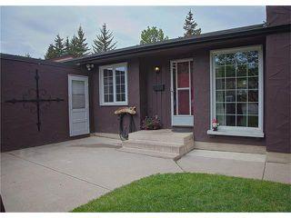 Photo 3: 2720 OAKMOOR Drive SW in Calgary: Oakridge House for sale : MLS®# C4065704