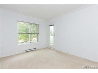 Photo 10: 205 400 Dupplin Rd in VICTORIA: SW Rudd Park Condo Apartment for sale (Saanich West)  : MLS®# 734375