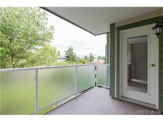 Photo 12: 205 400 Dupplin Rd in VICTORIA: SW Rudd Park Condo Apartment for sale (Saanich West)  : MLS®# 734375