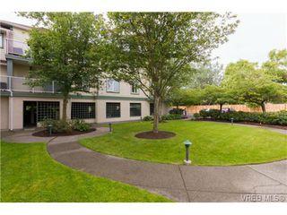 Photo 2: 205 400 Dupplin Rd in VICTORIA: SW Rudd Park Condo Apartment for sale (Saanich West)  : MLS®# 734375