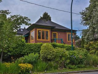 "Photo 1: 1976 NAPIER Street in Vancouver: Grandview VE House for sale in ""COMMERCIAL DRIVE"" (Vancouver East)  : MLS®# R2082902"