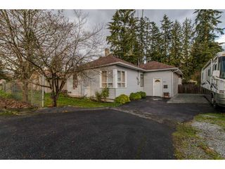 Photo 1: 11690 BURNETT Street in Maple Ridge: East Central House for sale : MLS®# R2123383
