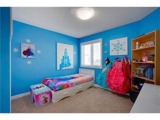 Photo 15: 31 EVEROAK Green SW in Calgary: Evergreen House for sale : MLS®# C4093062