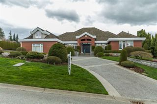 Photo 1: 1896 PANORAMA Drive in Abbotsford: Abbotsford East House for sale : MLS®# R2149174