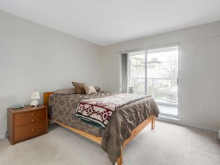 "Photo 11: 216 2559 PARKVIEW Lane in Port Coquitlam: Central Pt Coquitlam Condo for sale in ""THE CRESCENT"" : MLS®# R2156465"
