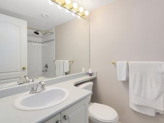 "Photo 13: 216 2559 PARKVIEW Lane in Port Coquitlam: Central Pt Coquitlam Condo for sale in ""THE CRESCENT"" : MLS®# R2156465"