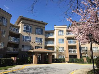 "Photo 2: 216 2559 PARKVIEW Lane in Port Coquitlam: Central Pt Coquitlam Condo for sale in ""THE CRESCENT"" : MLS®# R2156465"