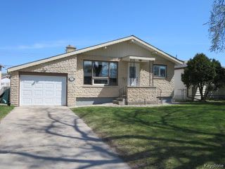 Photo 1: 423 Armstrong Avenue in Winnipeg: Margaret Park Residential for sale (4D)  : MLS®# 1711127