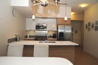 Photo 3: 406 2214 KELLY Avenue in Port Coquitlam: Central Pt Coquitlam Condo for sale : MLS®# R2180881