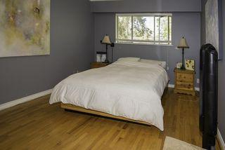 Photo 9: 9580 CHAPMOND Crescent in Richmond: Seafair House for sale : MLS®# R2196849