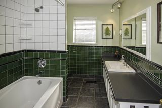Photo 11: 9580 CHAPMOND Crescent in Richmond: Seafair House for sale : MLS®# R2196849
