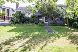 Photo 1: 9580 CHAPMOND Crescent in Richmond: Seafair House for sale : MLS®# R2196849