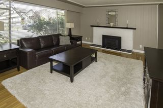 Photo 2: 9580 CHAPMOND Crescent in Richmond: Seafair House for sale : MLS®# R2196849