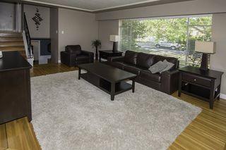 Photo 3: 9580 CHAPMOND Crescent in Richmond: Seafair House for sale : MLS®# R2196849