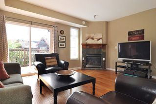 """Photo 2: 93 2000 PANORAMA Drive in Port Moody: Heritage Woods PM Townhouse for sale in """"MOUNTAIN EDGE"""" : MLS®# R2201532"""