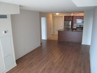 Photo 3: 653 525 Wilson Avenue in Toronto: Clanton Park Condo for lease (Toronto C06)  : MLS®# C4023111