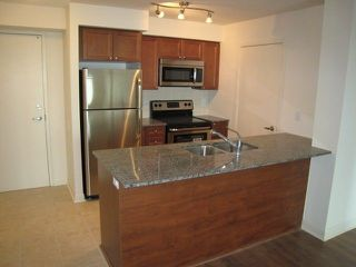 Photo 1: 653 525 Wilson Avenue in Toronto: Clanton Park Condo for lease (Toronto C06)  : MLS®# C4023111