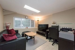 Photo 11: 2248 UPLAND Drive in Vancouver: Fraserview VE House for sale (Vancouver East)  : MLS®# R2235367