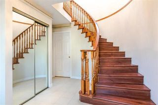 Photo 2: 7157 NANAIMO Street in Vancouver: Fraserview VE House for sale (Vancouver East)  : MLS®# R2236648